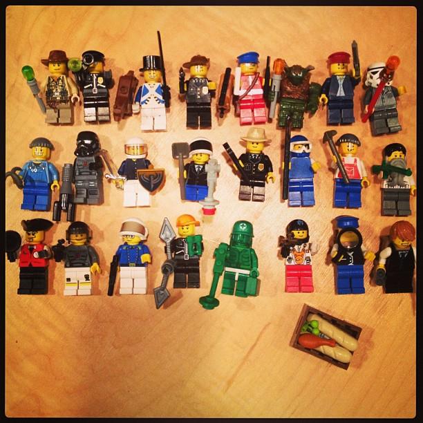 knolling legos