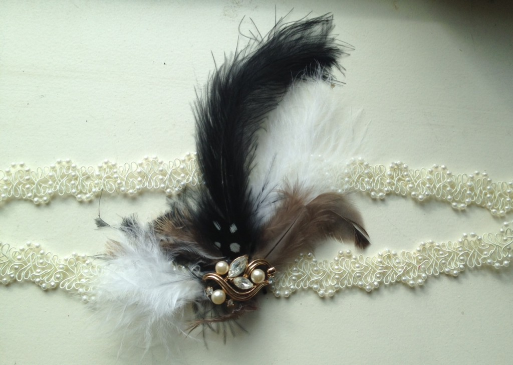 flapper headband with feathers