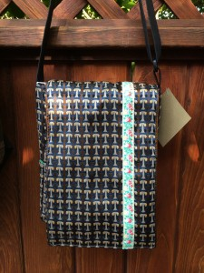 busy ribbon bag