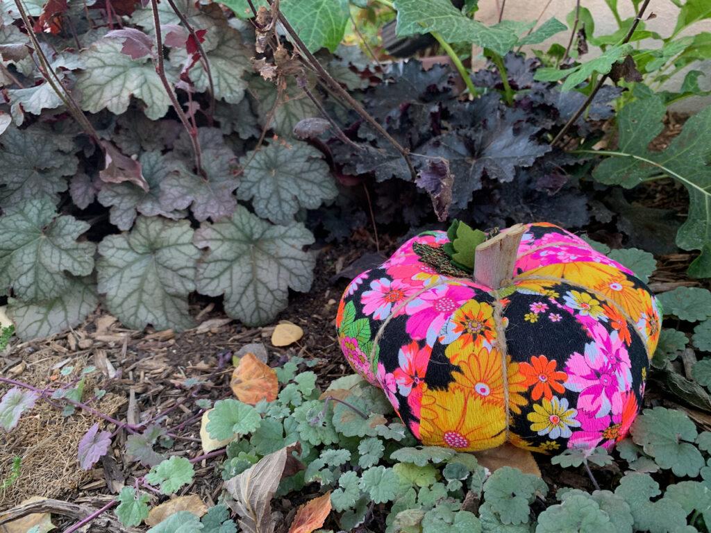fabric pumpkin DIY